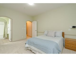 """Photo 16: 305 33485 SOUTH FRASER Way in Abbotsford: Central Abbotsford Condo for sale in """"Citadel Ridge"""" : MLS®# R2425076"""