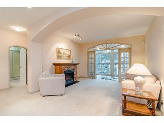 """Photo 6: 305 33485 SOUTH FRASER Way in Abbotsford: Central Abbotsford Condo for sale in """"Citadel Ridge"""" : MLS®# R2425076"""