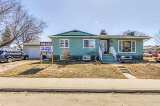 Photo 2: 7507 98 Avenue in Edmonton: Zone 18 House for sale : MLS®# E4195042