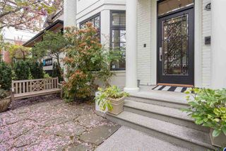 Photo 2: 2568 VINE Street in Vancouver: Kitsilano Townhouse for sale (Vancouver West)  : MLS®# R2453910