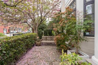 Photo 3: 2568 VINE Street in Vancouver: Kitsilano Townhouse for sale (Vancouver West)  : MLS®# R2453910