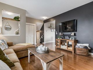 Photo 7: 607 New Brighton Drive SE in Calgary: New Brighton Detached for sale : MLS®# C4299788