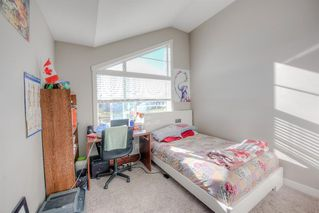 Photo 10: 550 Redstone View NE in Calgary: Redstone Row/Townhouse for sale : MLS®# A1038452