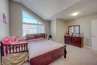 Photo 8: 550 Redstone View NE in Calgary: Redstone Row/Townhouse for sale : MLS®# A1038452
