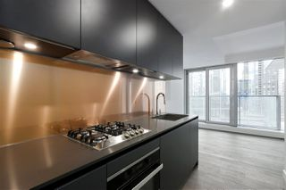 Photo 9: 1208 1480 HOWE STREET in Vancouver: Yaletown Condo for sale (Vancouver West)  : MLS®# R2427901