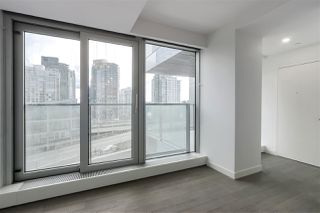 Photo 3: 1208 1480 HOWE STREET in Vancouver: Yaletown Condo for sale (Vancouver West)  : MLS®# R2427901