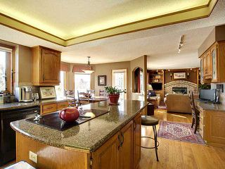 Photo 10: 116 Shawnee Gardens SW in CALGARY: Shawnee Slps Evergreen Est Residential Detached Single Family for sale (Calgary)  : MLS®# C3559440
