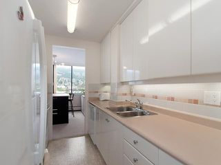 "Photo 3: # 1002 2167 BELLEVUE AV in West Vancouver: Dundarave Condo for sale in ""VANDEMAR WEST"" : MLS®# V1019394"