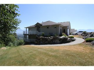 Photo 2: 127 8590 SUNRISE Drive in Chilliwack: Chilliwack Mountain Townhouse for sale : MLS®# H1303136