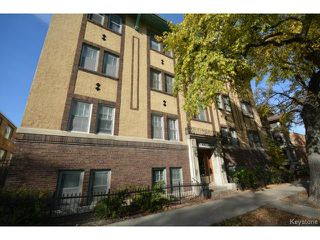Photo 2: Stradbrook Avenue in Winnipeg: Condominium for sale : MLS®# 1322612