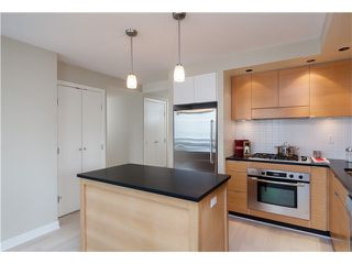Photo 3: # 905 1055 HOMER ST in Vancouver: Yaletown Condo for sale (Vancouver West)  : MLS®# V1081299