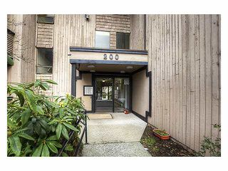 Photo 2: 142 200 WESTHILL PLACE in Port Moody: College Park PM Condo for sale : MLS®# R2042955