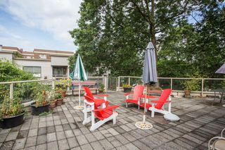 """Photo 10: 309 1350 COMOX Street in Vancouver: West End VW Condo for sale in """"BROUGHTON TERRACE"""" (Vancouver West)  : MLS®# R2396074"""