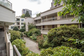 """Photo 11: 309 1350 COMOX Street in Vancouver: West End VW Condo for sale in """"BROUGHTON TERRACE"""" (Vancouver West)  : MLS®# R2396074"""