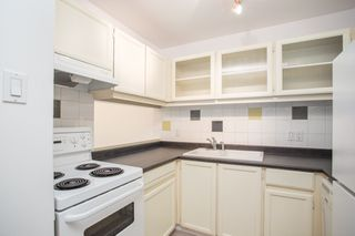 """Photo 4: 309 1350 COMOX Street in Vancouver: West End VW Condo for sale in """"BROUGHTON TERRACE"""" (Vancouver West)  : MLS®# R2396074"""