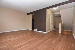Photo 2: 682 ABBOTTSFIELD Road in Edmonton: Zone 23 Townhouse for sale : MLS®# E4184066