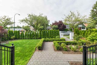 Photo 2: 2580 W 16TH Avenue in Vancouver: Arbutus House for sale (Vancouver West)  : MLS®# R2471054