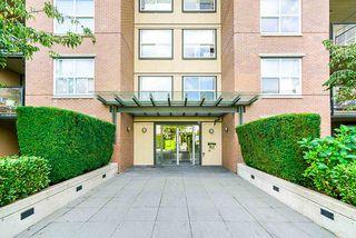 "Photo 3: 323 10707 139 Street in Surrey: Whalley Condo for sale in ""Aura II"" (North Surrey)  : MLS®# R2494782"