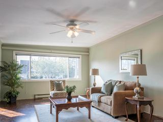 Photo 3: 2190 Weiler Ave in : Si Sidney South-West Full Duplex for sale (Sidney)  : MLS®# 857477