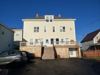 Photo 1: 121-123 Pierce Street in North Sydney: 205-North Sydney Residential for sale (Cape Breton)  : MLS®# 202024948