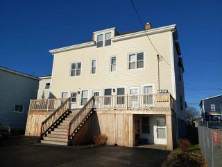 Photo 2: 121-123 Pierce Street in North Sydney: 205-North Sydney Residential for sale (Cape Breton)  : MLS®# 202024948