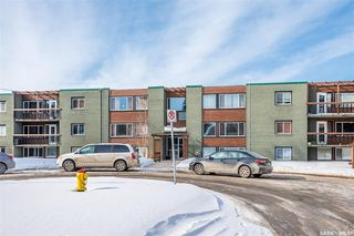 Photo 2: 2 208 Lindsay Place in Saskatoon: Greystone Heights Residential for sale : MLS®# SK838532