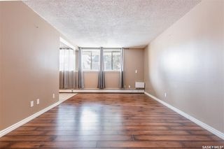 Photo 4: 2 208 Lindsay Place in Saskatoon: Greystone Heights Residential for sale : MLS®# SK838532