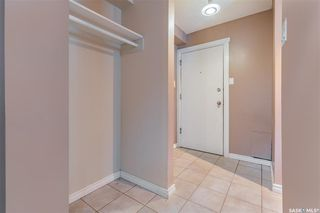 Photo 3: 2 208 Lindsay Place in Saskatoon: Greystone Heights Residential for sale : MLS®# SK838532
