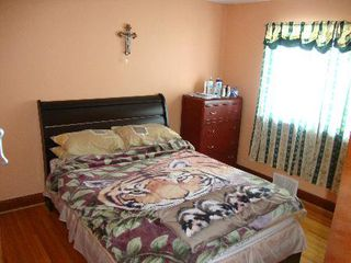 Photo 8: 832 INKSTER BLVD.: Residential for sale (North End)