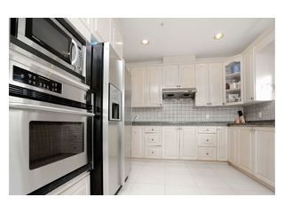 Photo 5: 5518 SHERBROOKE Street in Vancouver: Knight House for sale (Vancouver East)  : MLS®# V943616