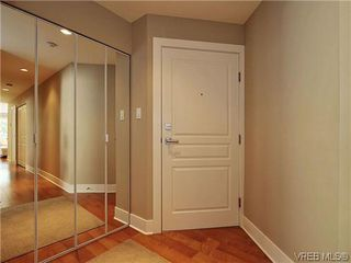 Photo 3: 201 1037 Richardson St in VICTORIA: Vi Fairfield West Condo Apartment for sale (Victoria)  : MLS®# 610474