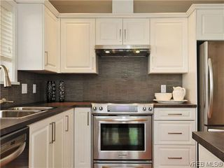 Photo 9: 201 1037 Richardson St in VICTORIA: Vi Fairfield West Condo Apartment for sale (Victoria)  : MLS®# 610474