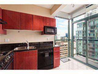 Photo 5: #3202-1239 West Georgia St in Vancouver West: Coal Harbour Condo for sale