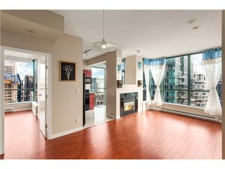 Photo 3: #3202-1239 West Georgia St in Vancouver West: Coal Harbour Condo for sale