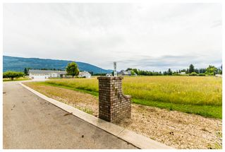 Photo 2: 5200 Northeast 30 Street in Salmon Arm: N. Broadview House for sale : MLS®# 10121876