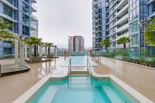 Photo 10: 1106 68 SMITHE STREET in Vancouver: Downtown VW Condo for sale (Vancouver West)  : MLS®# R2281887