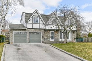 Photo 1: 687 Demaris Court in Burlington: House for sale : MLS®# H4052206