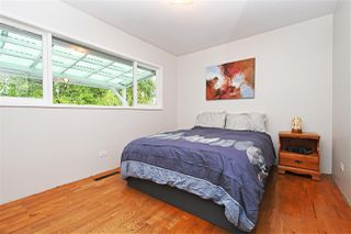 Photo 8: 325 HOLMES Street in New Westminster: The Heights NW House for sale : MLS®# R2417800