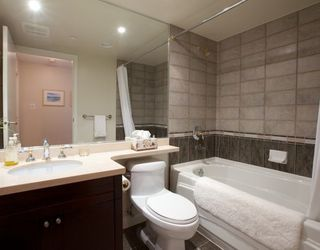 Photo 10: 1005 1383 MARINASIDE Crescent in Vancouver West: Home for sale : MLS®# V811578