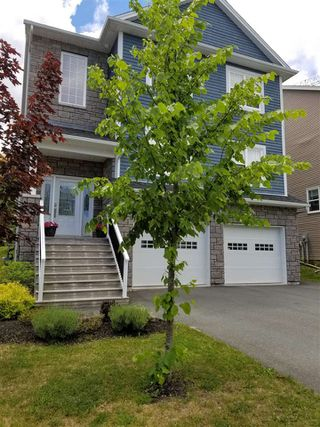 Main Photo: 198 Hollyhock Way in Bedford: 20-Bedford Residential for sale (Halifax-Dartmouth)  : MLS®# 202011191
