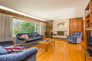 Photo 4: 512 BLUE MOUNTAIN Street in Coquitlam: Coquitlam West House for sale : MLS®# R2476332