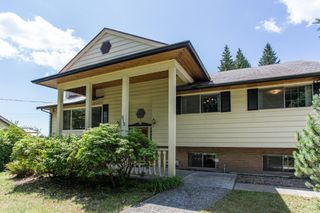 Photo 3: 512 BLUE MOUNTAIN Street in Coquitlam: Coquitlam West House for sale : MLS®# R2476332