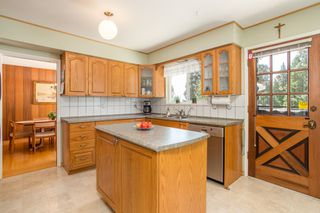 Photo 8: 512 BLUE MOUNTAIN Street in Coquitlam: Coquitlam West House for sale : MLS®# R2476332