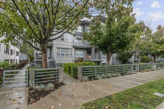 Photo 1: 3173 W 4TH Avenue in Vancouver: Kitsilano Townhouse for sale (Vancouver West)  : MLS®# R2507086