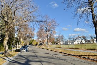 Photo 4: 8526 79 Avenue in Edmonton: Zone 17 House for sale : MLS®# E4217681