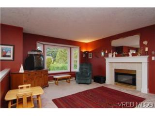 Photo 15: 735 Kelly Road in VICTORIA: Co Hatley Park Single Family Detached for sale (Colwood)  : MLS®# 255926