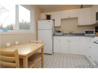 Photo 13: 735 Kelly Road in VICTORIA: Co Hatley Park Single Family Detached for sale (Colwood)  : MLS®# 255926