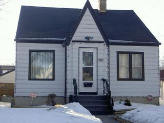Photo 1: 1064 SPRUCE ST in WINNIPEG: Residential for sale (Canada)  : MLS®# 2904261