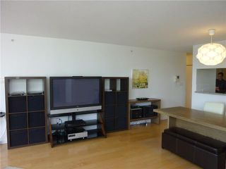Photo 5: # 905 1201 MARINASIDE CR in Vancouver: Yaletown Condo for sale ()  : MLS®# V938360