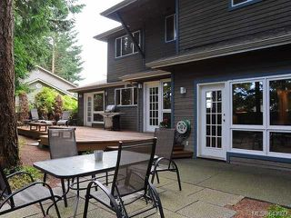 Photo 2: 860 Kelsey Crt in COMOX: CV Comox (Town of) House for sale (Comox Valley)  : MLS®# 643937
